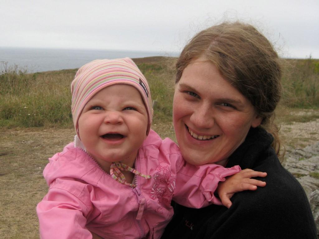 Tabea und Johanna in der Normandie