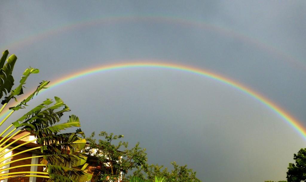 Regenbogen über Bujumbura a (1)